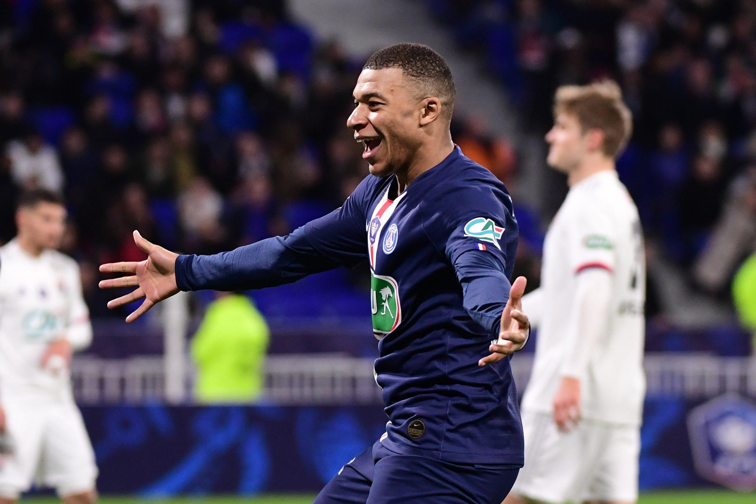 """Bertrand Latour rappelle au PSG qu'il risque de perdre sa """"position de force"""" pour Mbappé"""