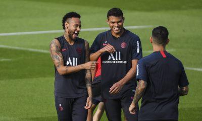 Les joueurs partis à l'étranger n'auront pas de problème pour rentrer en France