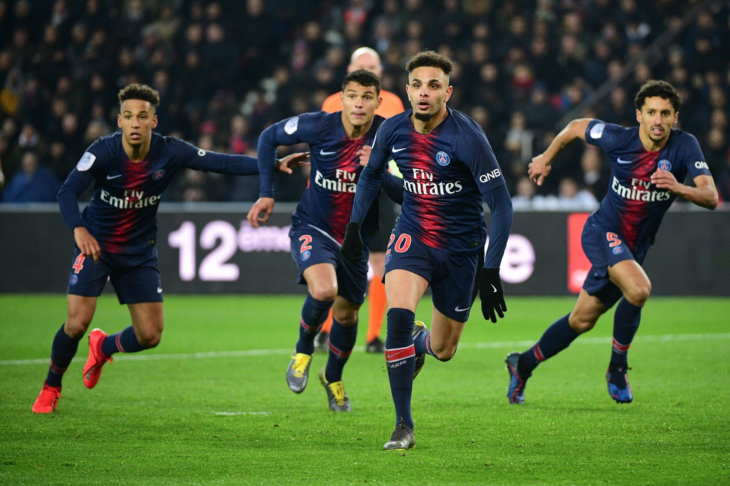 Mercato - Thiago Silva et Kurzawa pourraient prolonger au PSG à cause de la crise, selon AS