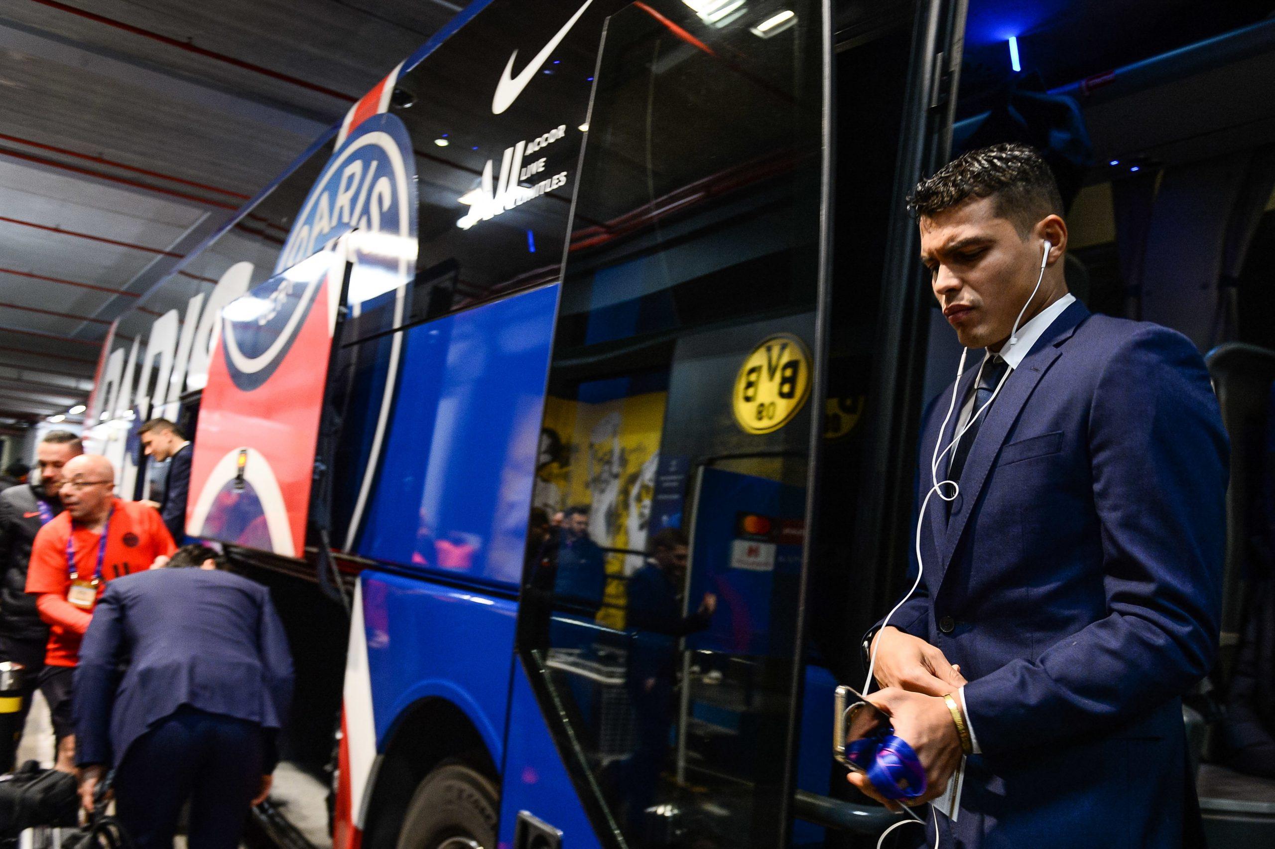 Thiago Silva se dirige vers un départ du PSG malgré son envie de rester, explique Pagliari