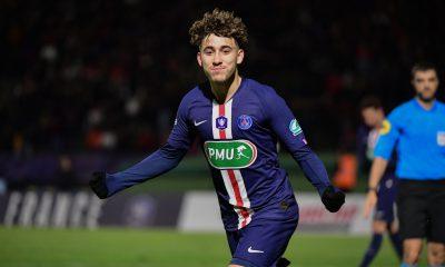 Mercato - Aouchiche aurait une demande trop élevée pour Saint-Etienne et discuterait avec le PSG