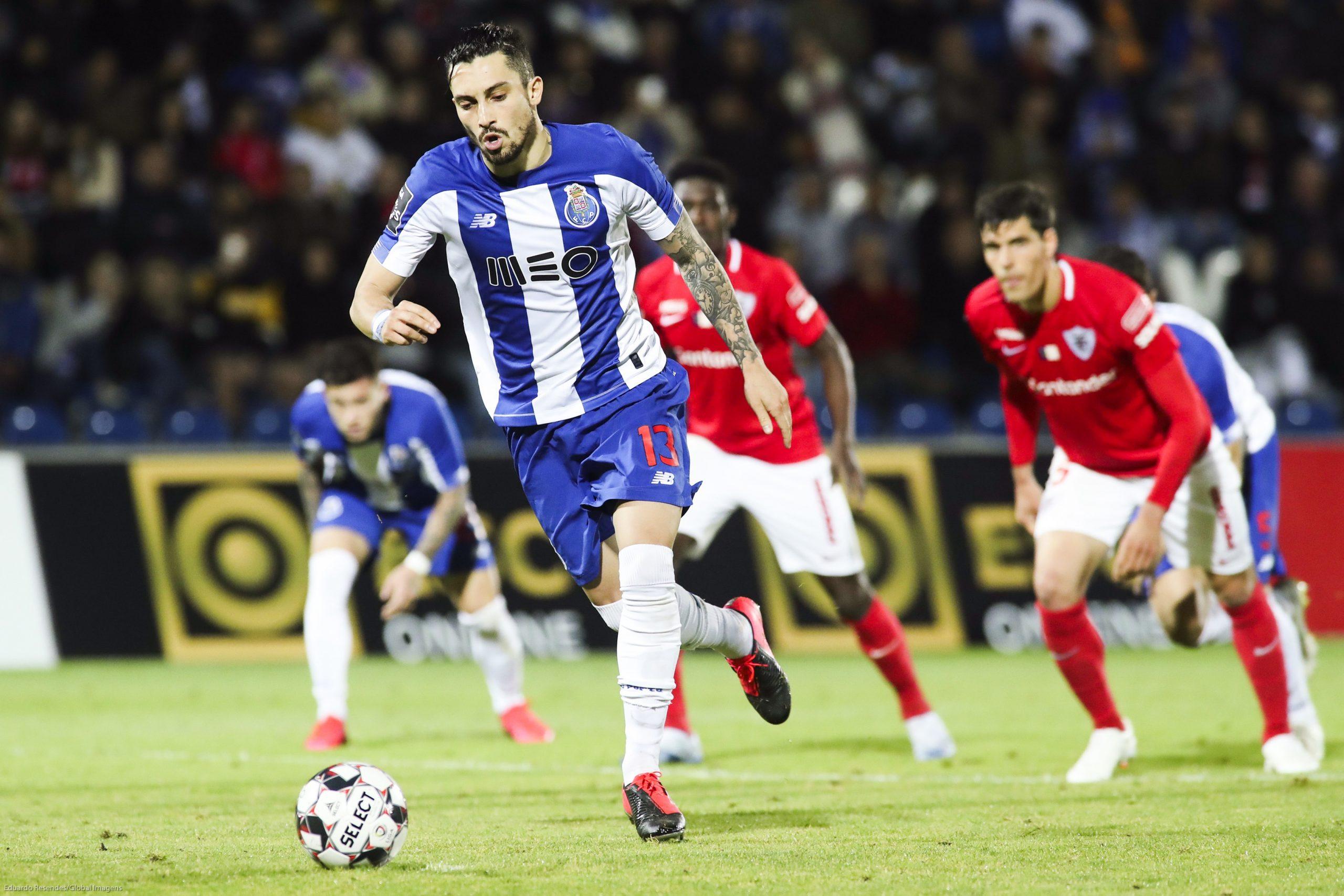 Mercato - Le PSG officiellement en négociation avec Porto pour Alex Telles, selon O Jogo