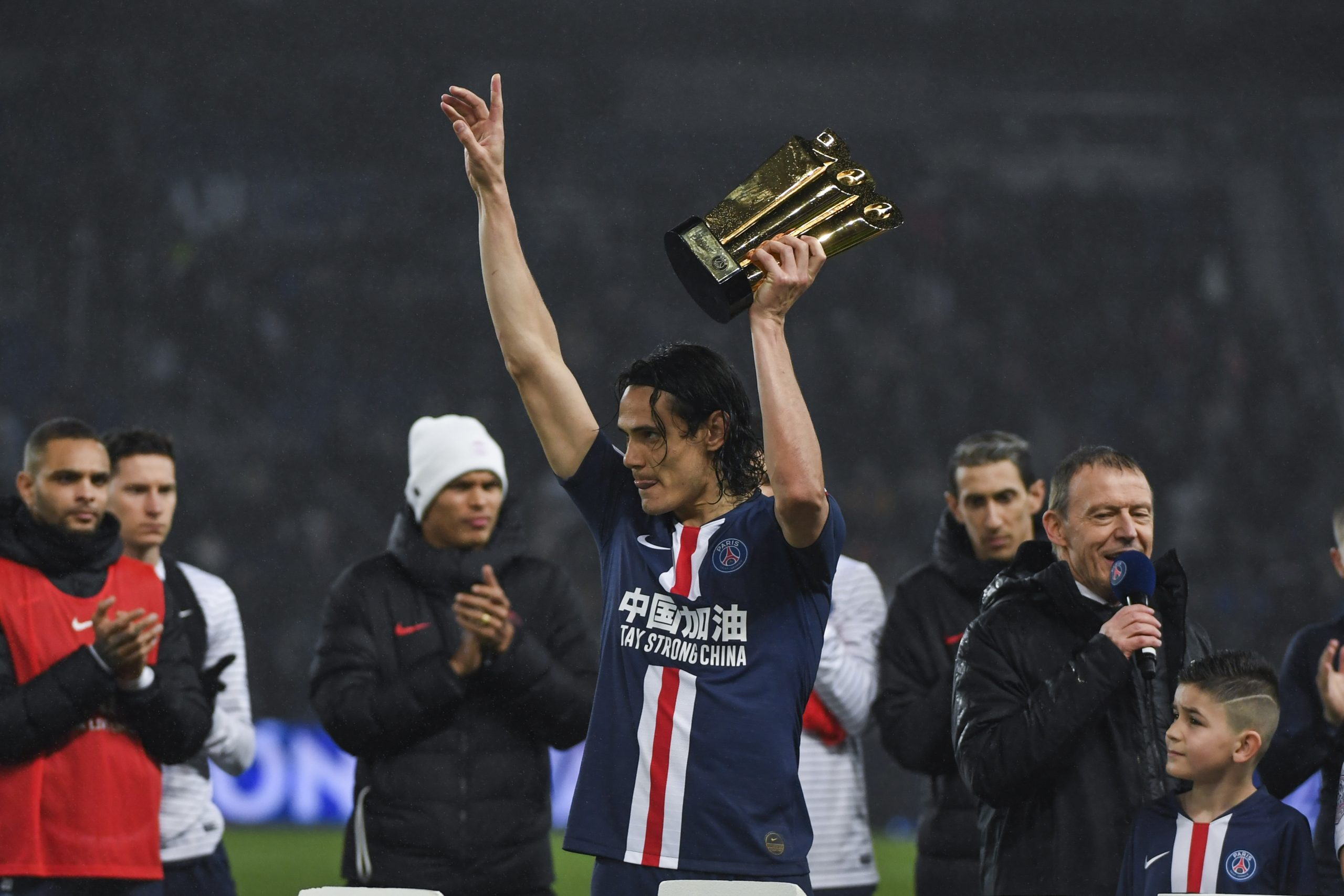 Mercato - Cavani veut finir la saison avec le PSG avant de faire un choix, explique Tuttosport