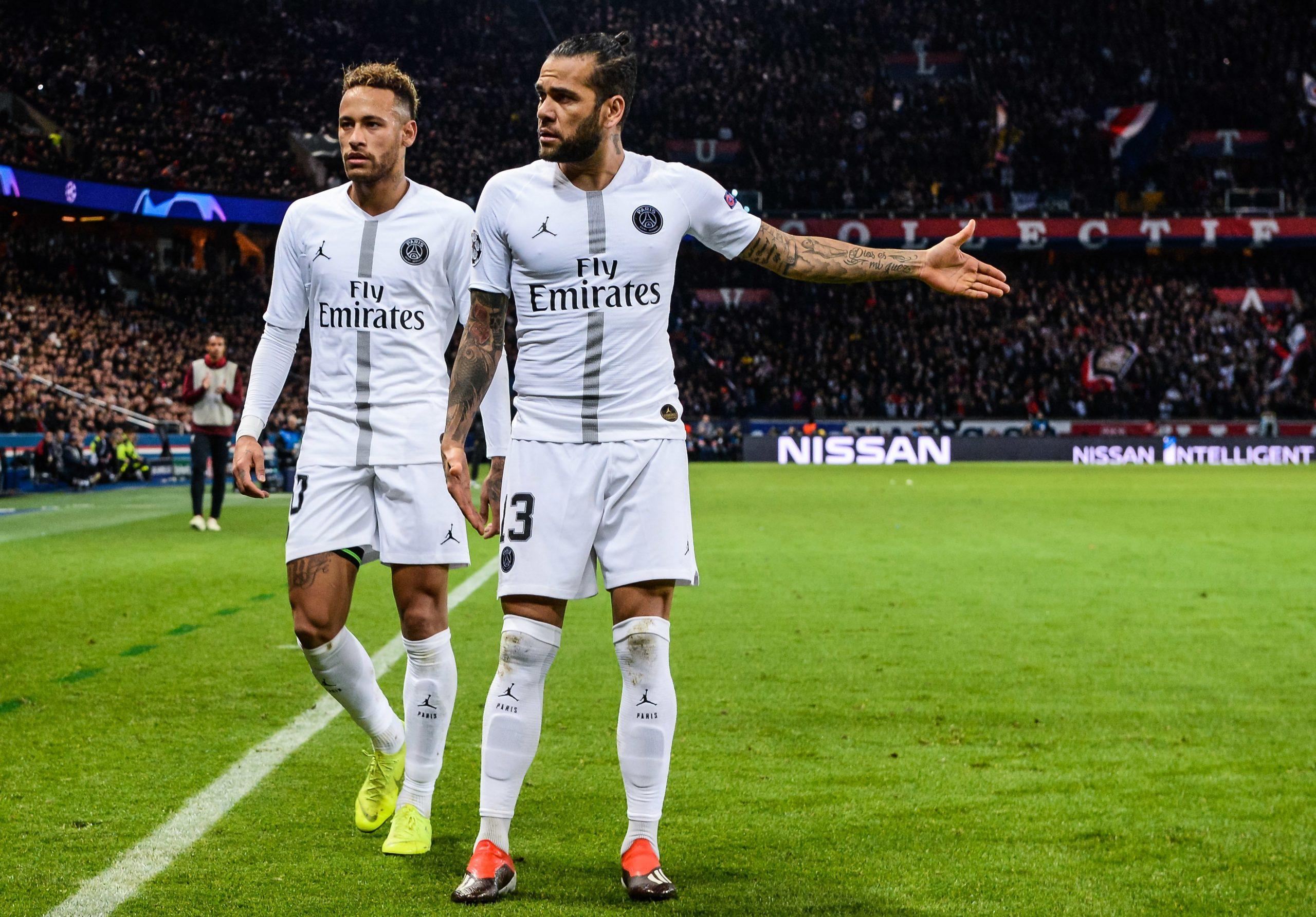 Dani Alves ne regrette pas d'avoir joué au PSG, mais d'avoir manqué Manchester City