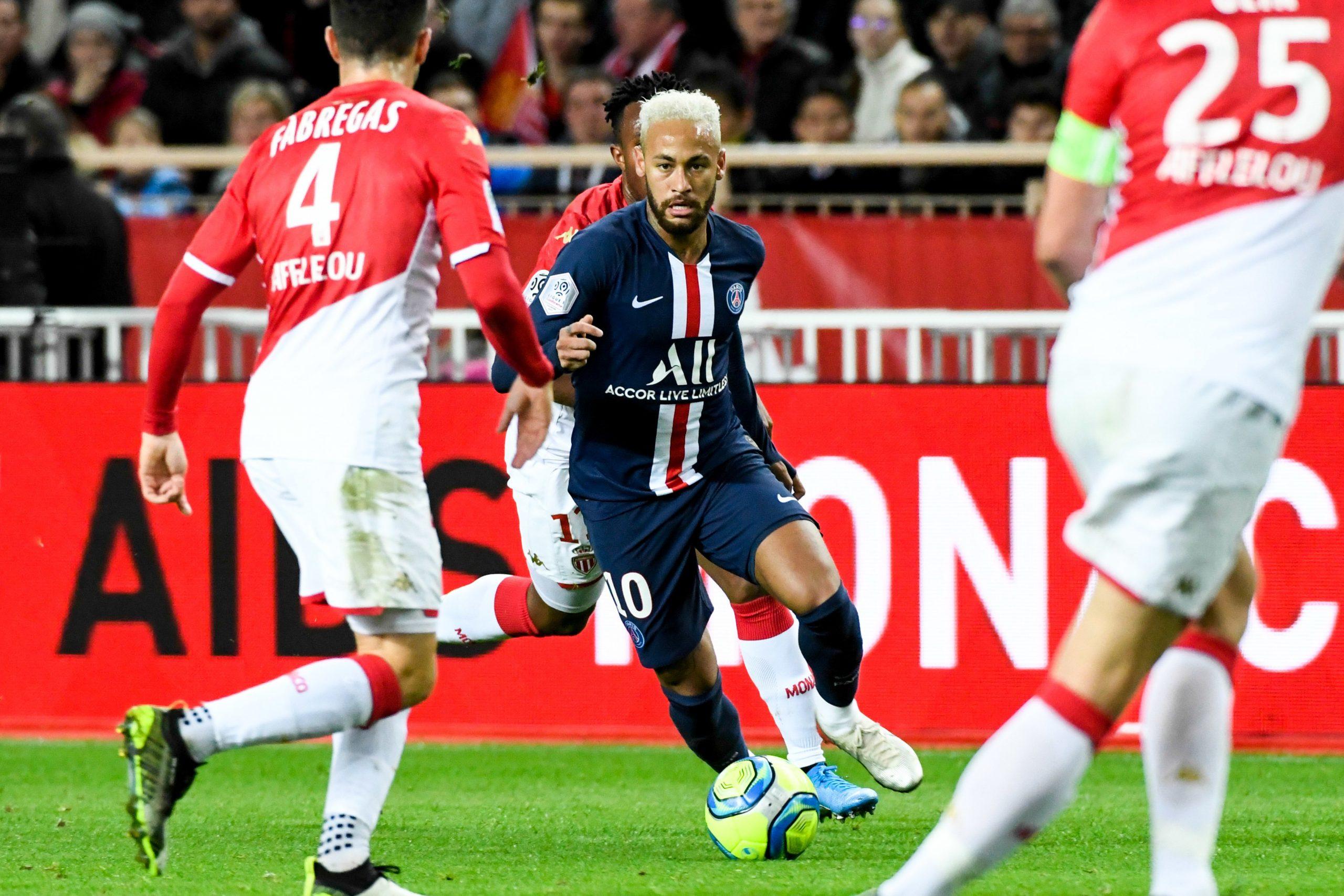 """Fabregas place Neymar au niveau de Ronaldinho """"Il a tout pour être le meilleur"""""""