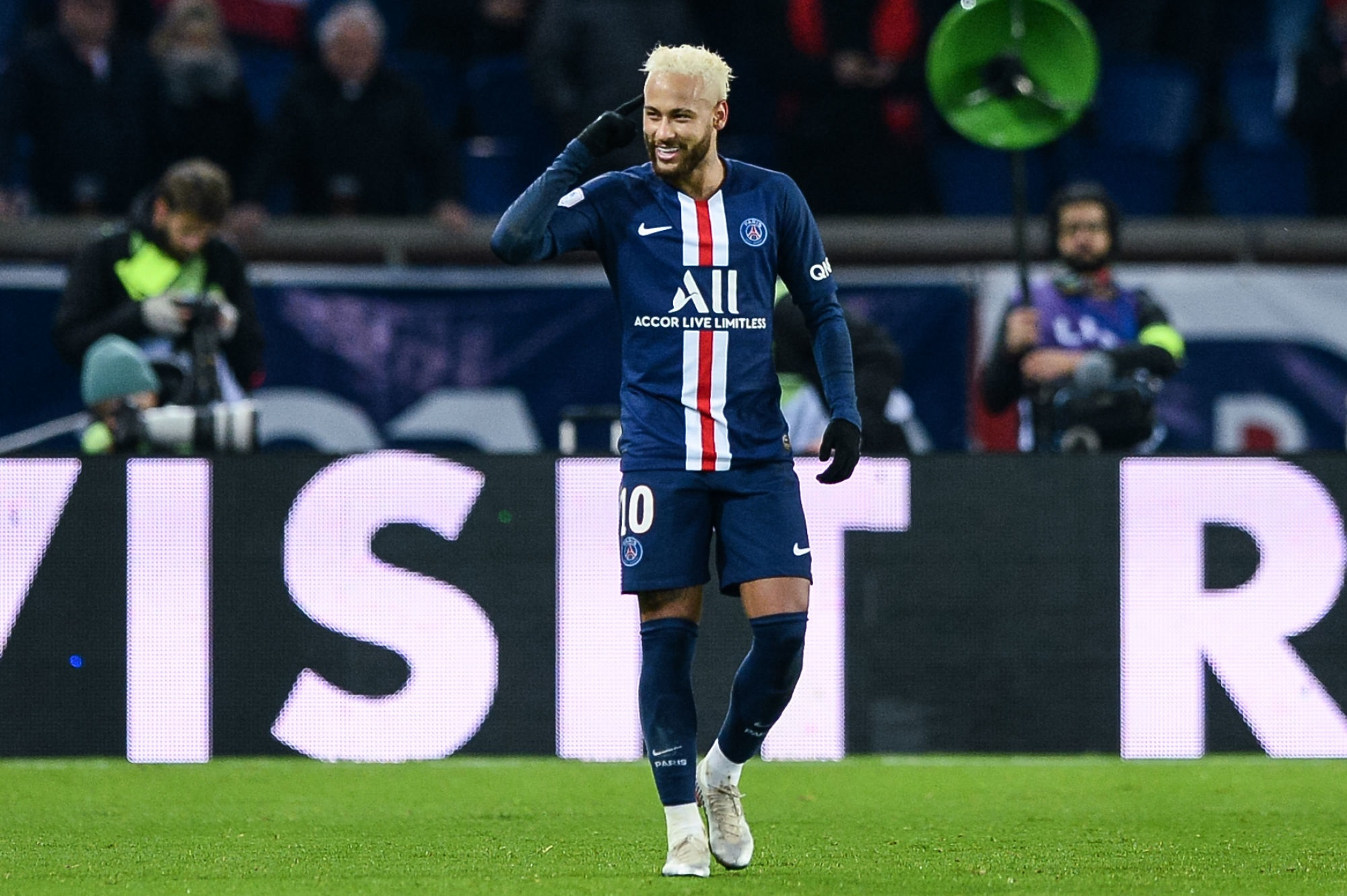 La plus belle réalisation du PSG cette saison, 2e manche : Neymar s'impose contre Aouchiche