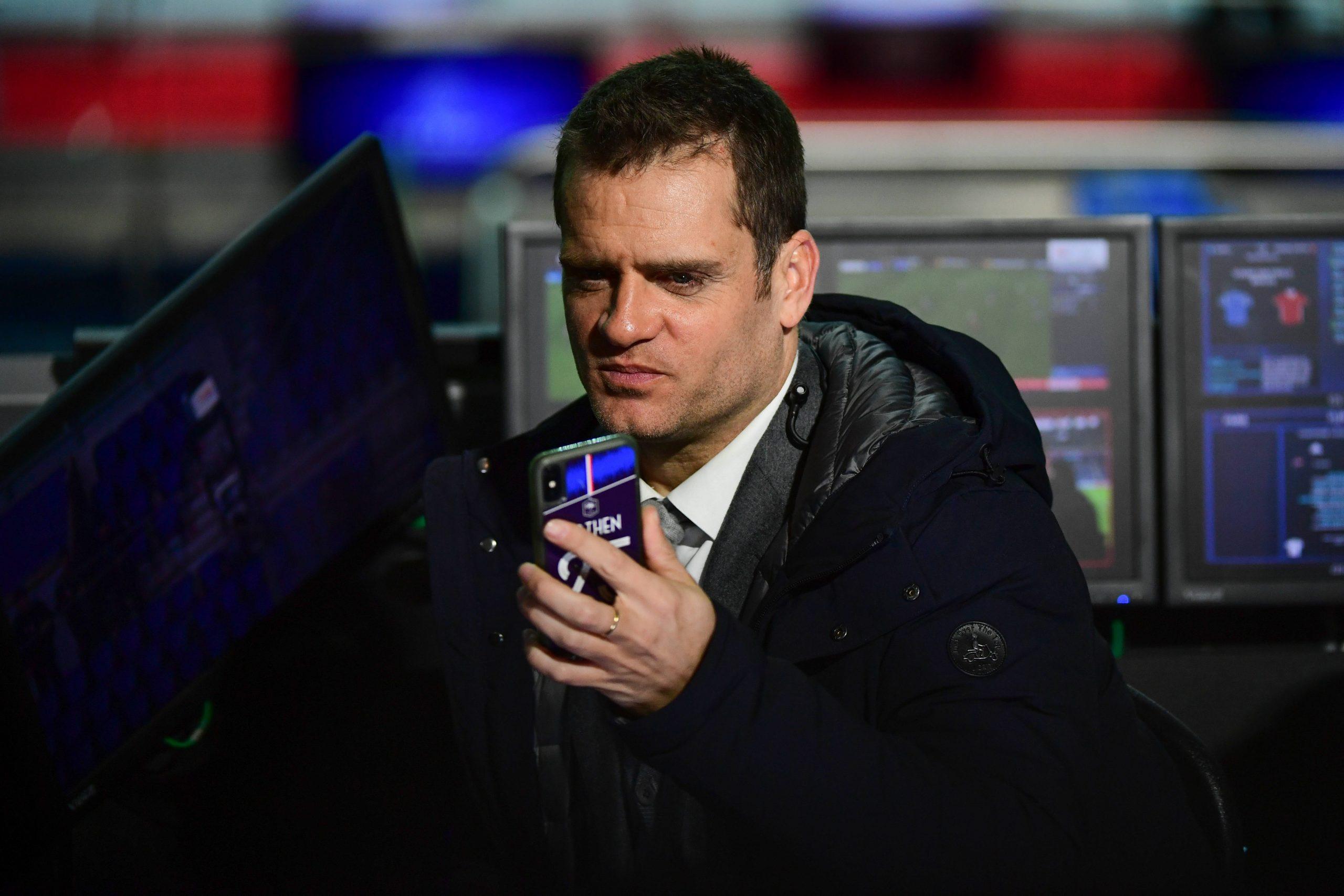 Rothen demande aux joueurs du PSG de penser aux autres qui travaillent au club