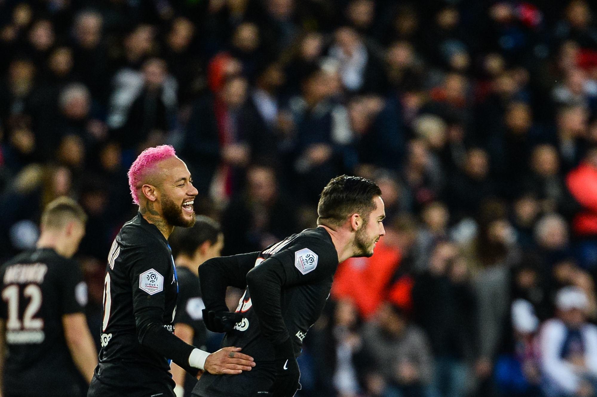 Sondage - Quelle est la plus belle réalisation du PSG cette saison ? 2e manche : Sarabia ou Neymar ?