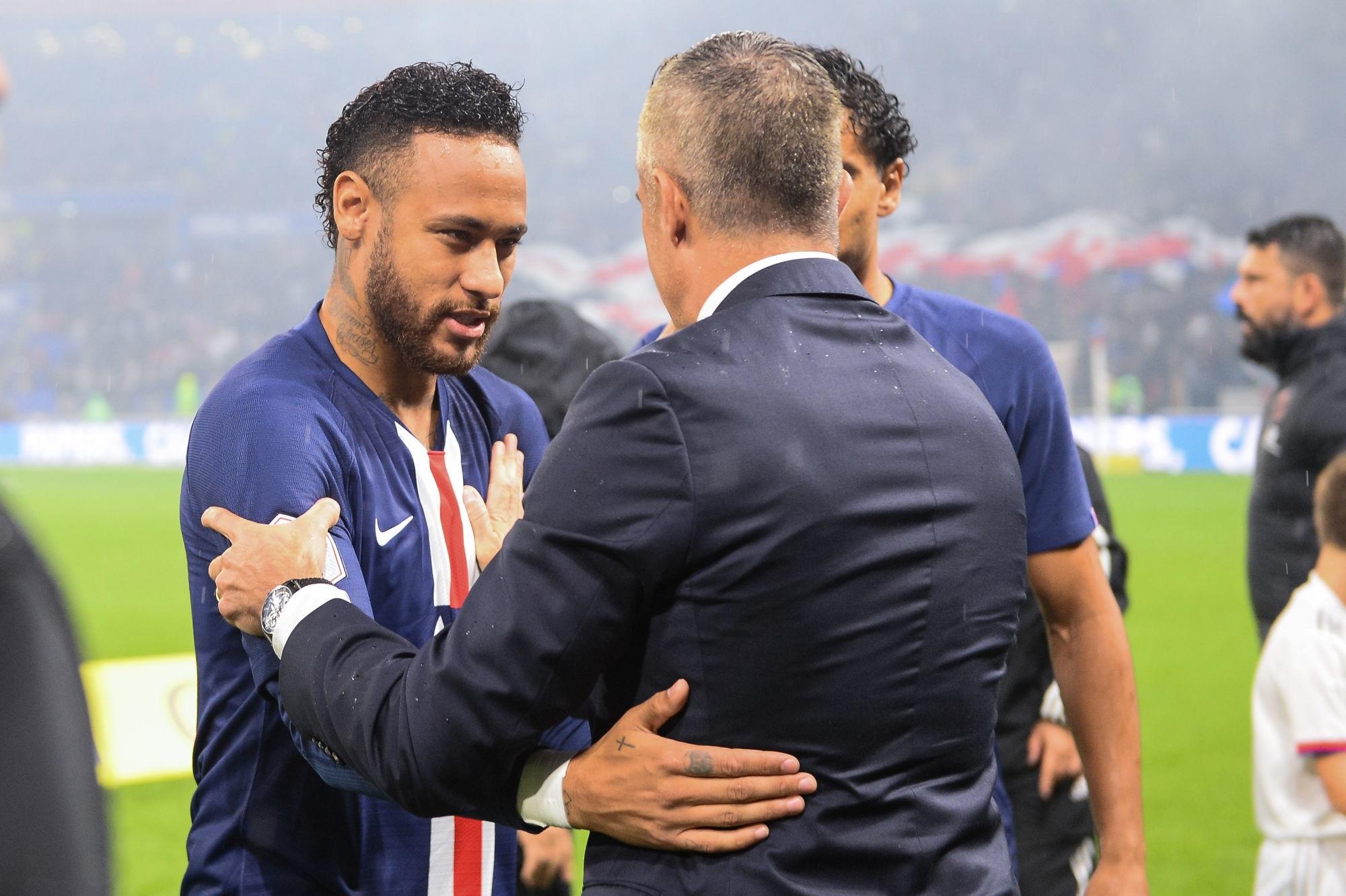 Sylvinho est fan de Neymar et ne voit pas pourquoi il ne pourrait pas revenir au Barça