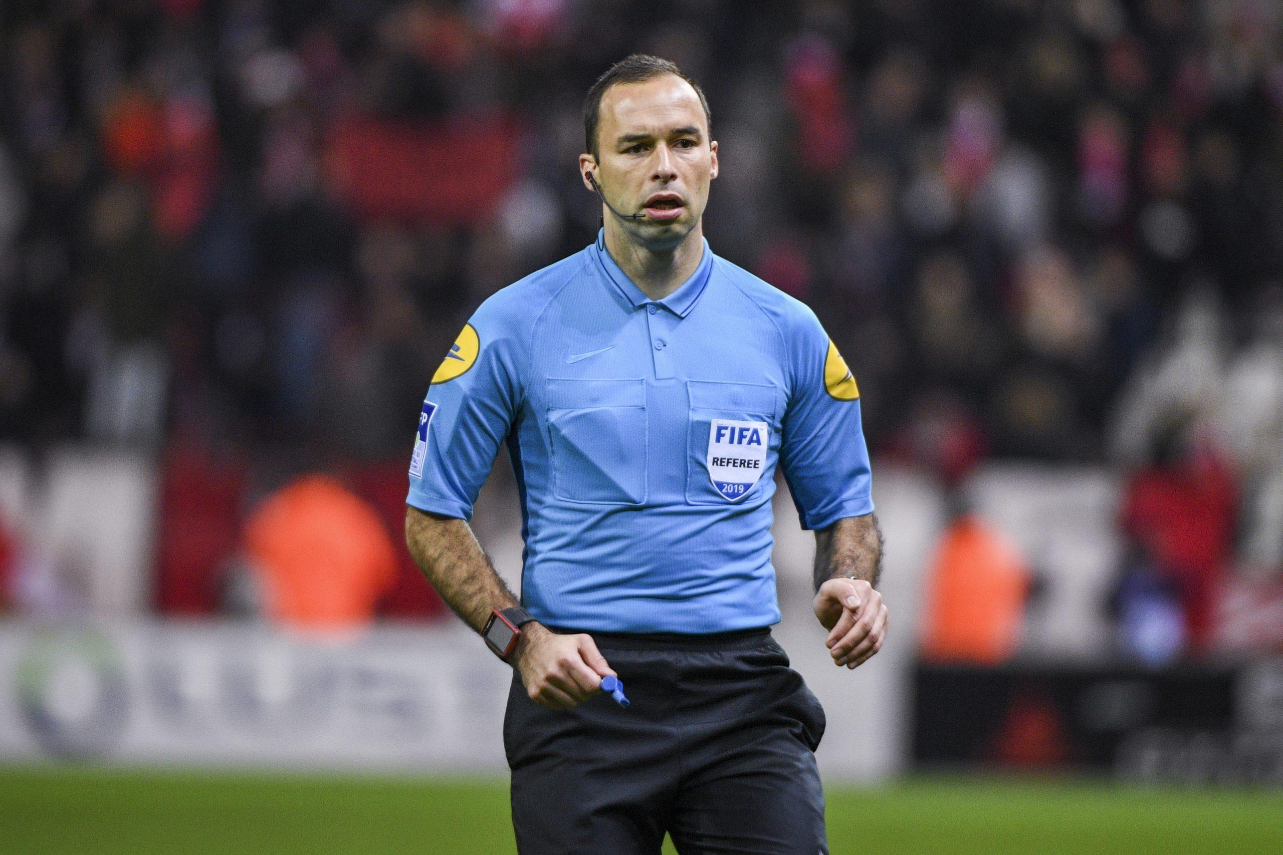 L'arbitre de la finale de Coupe de la Ligue a été désigné, attention aux cartons !