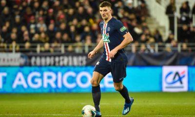 """L'Équipe évoque """"l'improbable prêt"""" de Meunier au PSG pour finir la saison"""