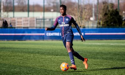 Mercato - Bitshiabu signera au PSG ce jeudi, assure Téléfoot