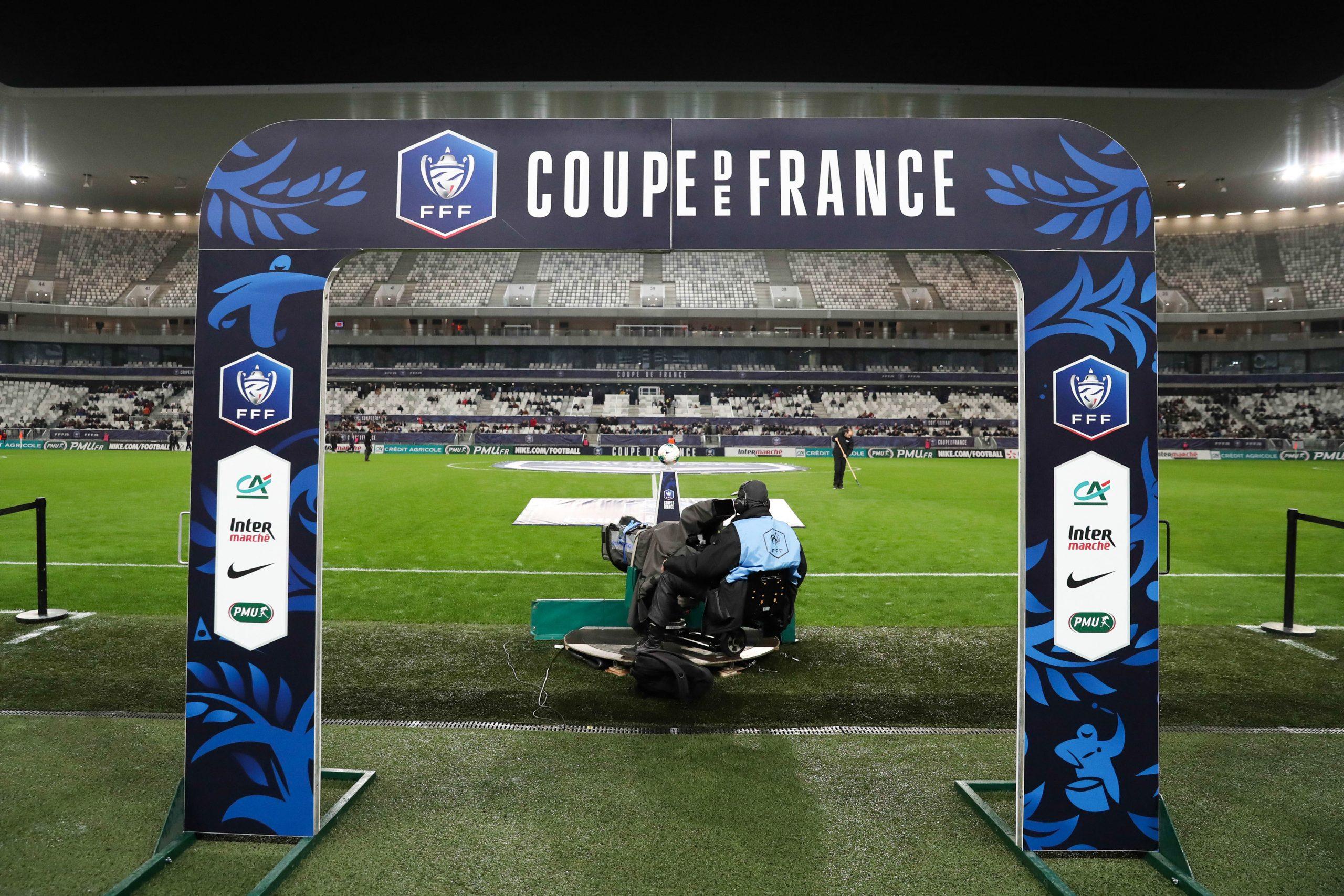 Les finales de Coupe de France et Coupe de la Ligue limitées à 5 000 personnes