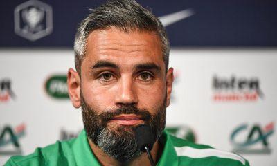 """PSG/Saint-Etienne - Perrin a de l'espoir, mais souligne """"il faut courir bien plus qu'eux"""""""