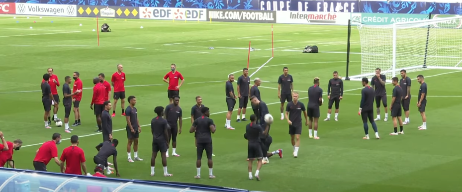 Les images du PSG ce jeudi : conférences de presse et entraînement avant la finale de Coupe de France