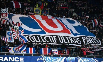 Le Collectif Ultras Paris a encouragé le PSG à l'aéroport avant le départ au Portugal
