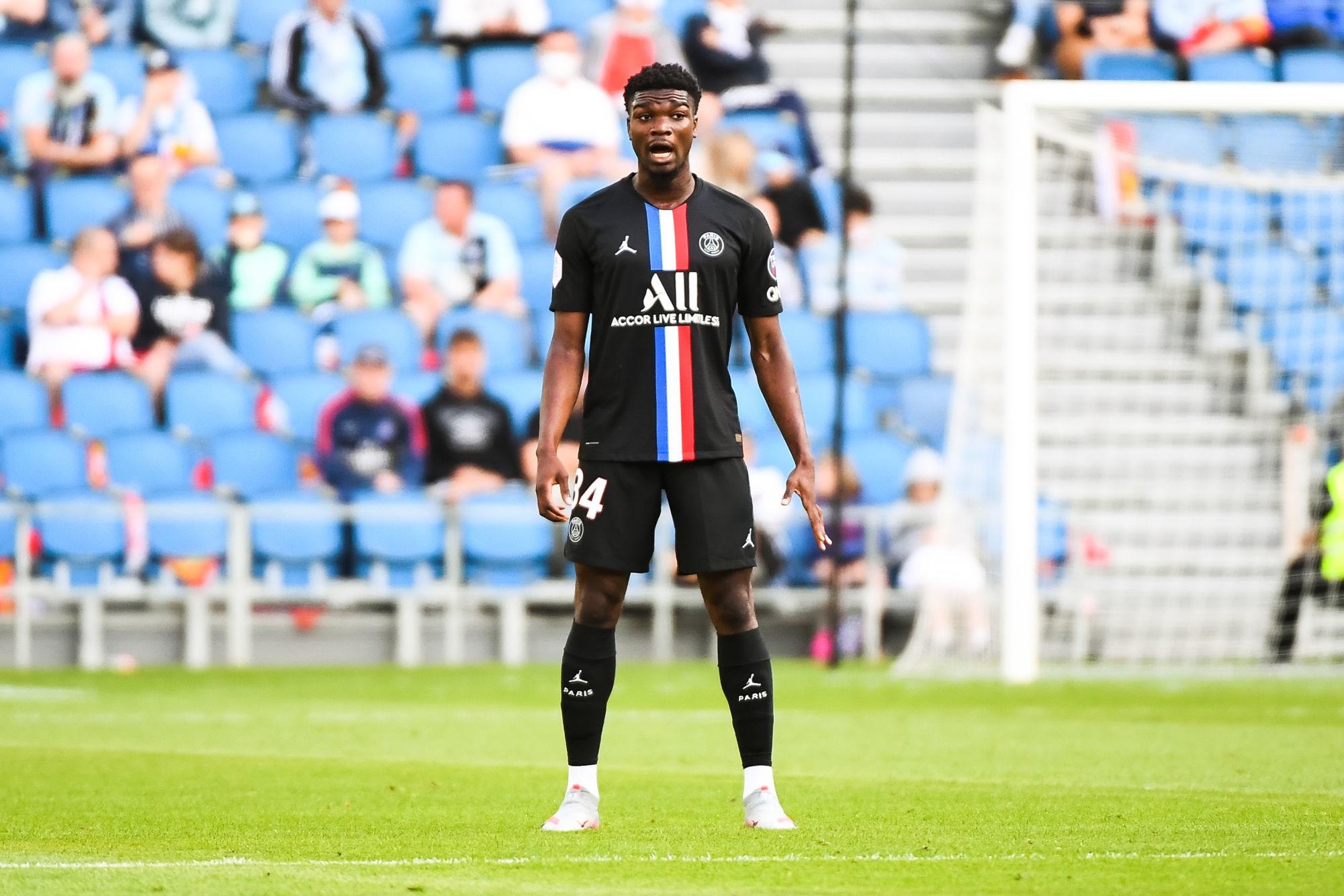Exclu - Mbe Soh vers un départ, pas de temps de jeu accordé par le PSG sans une prolongation