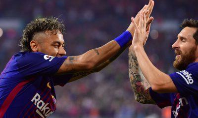 """Mercato - Neymar écrit à Messi pour """"vanter les charmes de Paris et du PSG"""", indique L'Equipe"""
