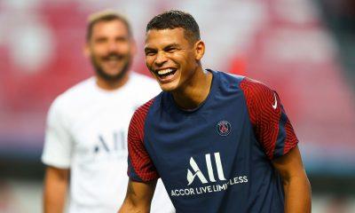 "PSG/Bayern - Valdo ""rêve"" de voir Thiago Silva ""brandir la Ligue des Champions"""
