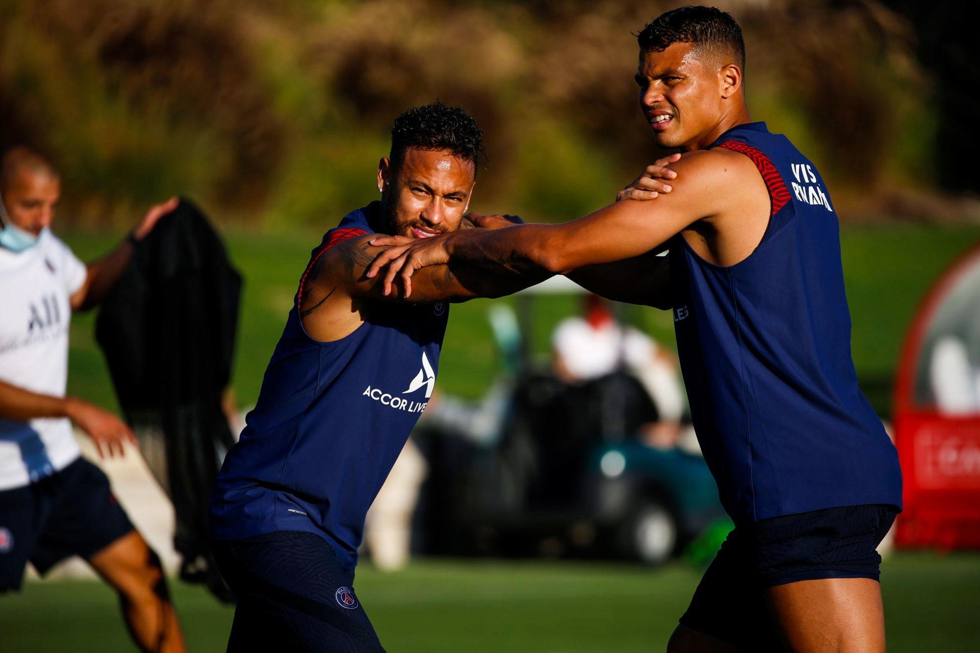 """Thiago Silva défend Neymar face à une """"situation très difficile"""""""