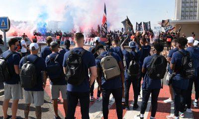 Les images du PSG ce jeudi: Vol pour Faro, préparation et bizutage de Kays Ruiz-Atil
