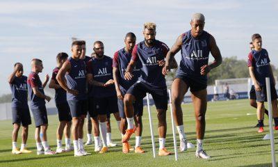 Les images du PSG ce vendredi: Préparation, prévention et soutien des légendes