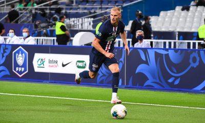 PSG/Metz - Bakker et Diallo pourrait être titulaires plutôt que Kimpembe et Bernat, selon RMC Sport