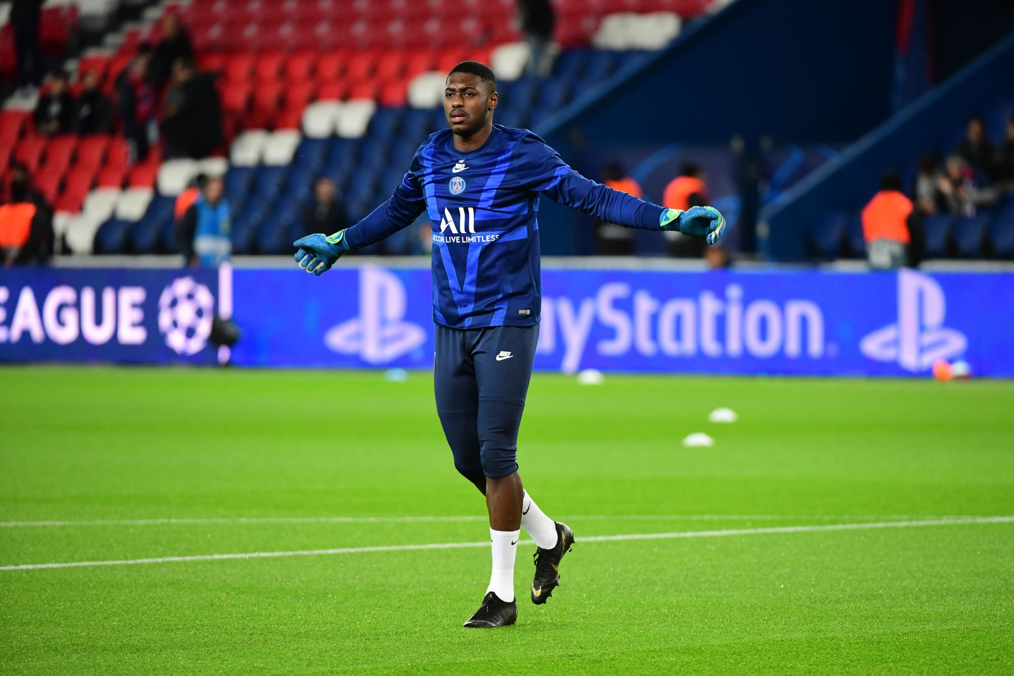"Mercato - Le PSG ""espère toujours prêter Innocent"", selon RMC Sport"