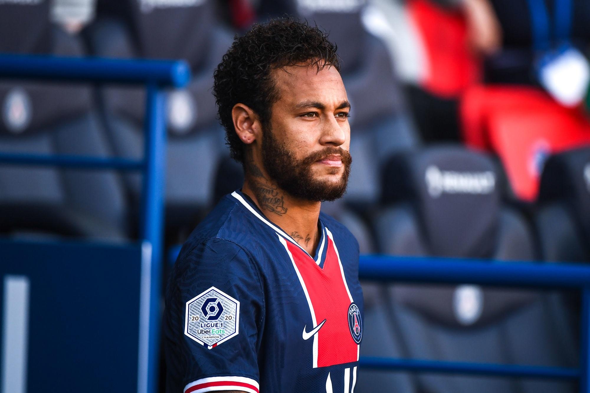 Neymar touché au mollet, des examens passés pour en savoir indique L'Equipe
