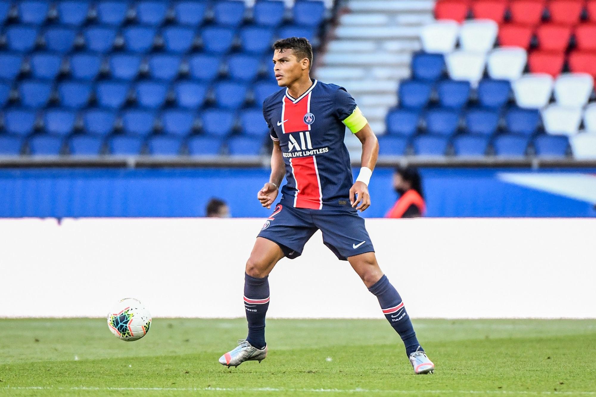 """Thiago Silva évoque l'intérêt de l'OL """"Ça me rend très fier de savoir qu'il a pensé à moi"""""""