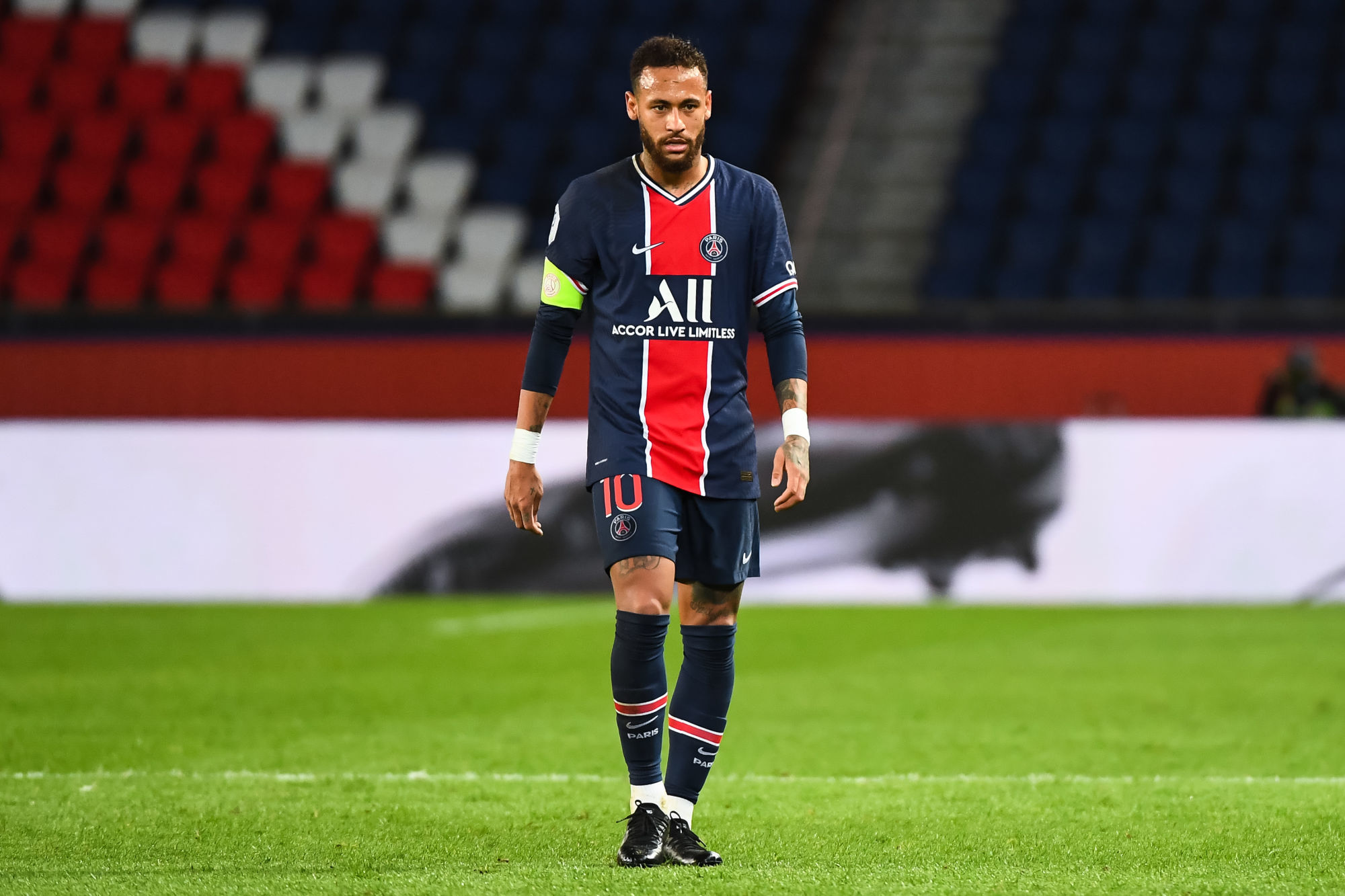 """Neymar est """"le leader charismatique du PSG"""", mais il est à """"temps partiel"""" selon Nedjari"""