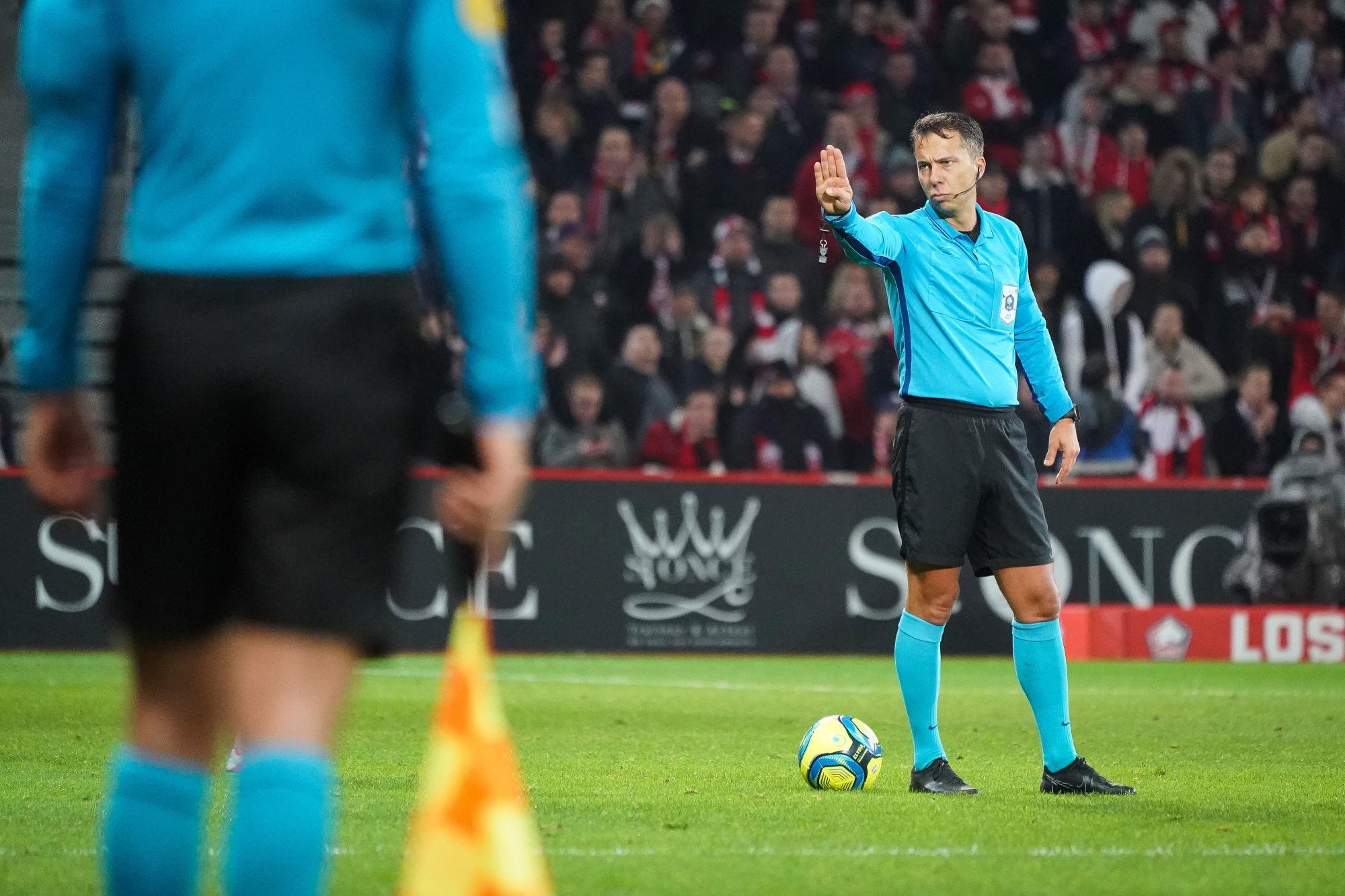 PSG/Dijon - Johan Hamel désigné arbitre du match, une tendance aux cartons et penaltys
