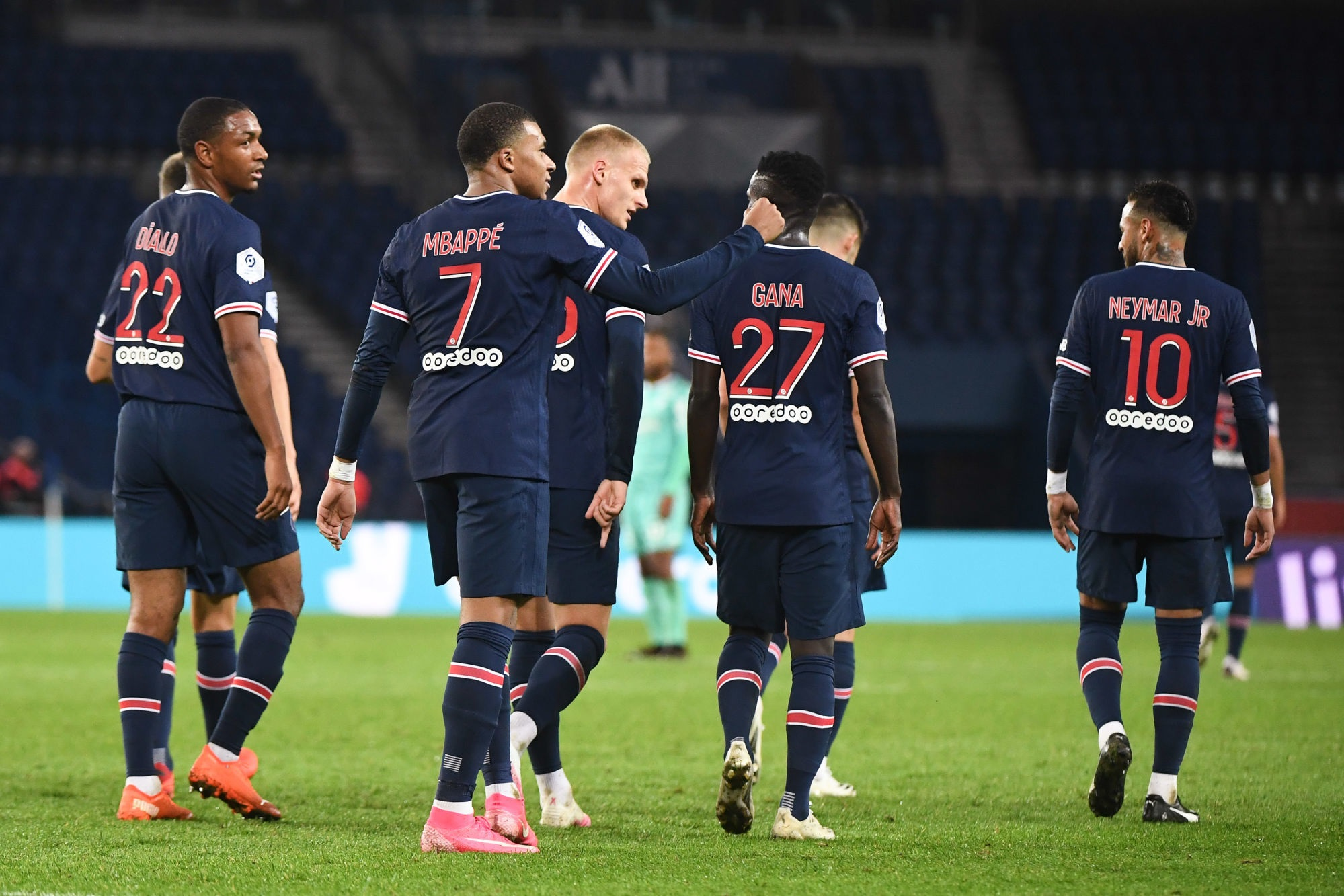 """PSG/Angers - Galli félicite les Parisiens pour le large victoire malgré un """"presque huis clos"""""""