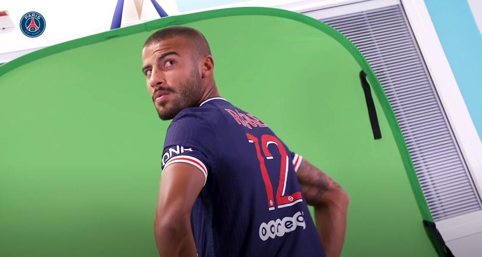 """Téléfoot raconte le transfert de Rafinha au PSG """"à 18h, c'était fait"""""""