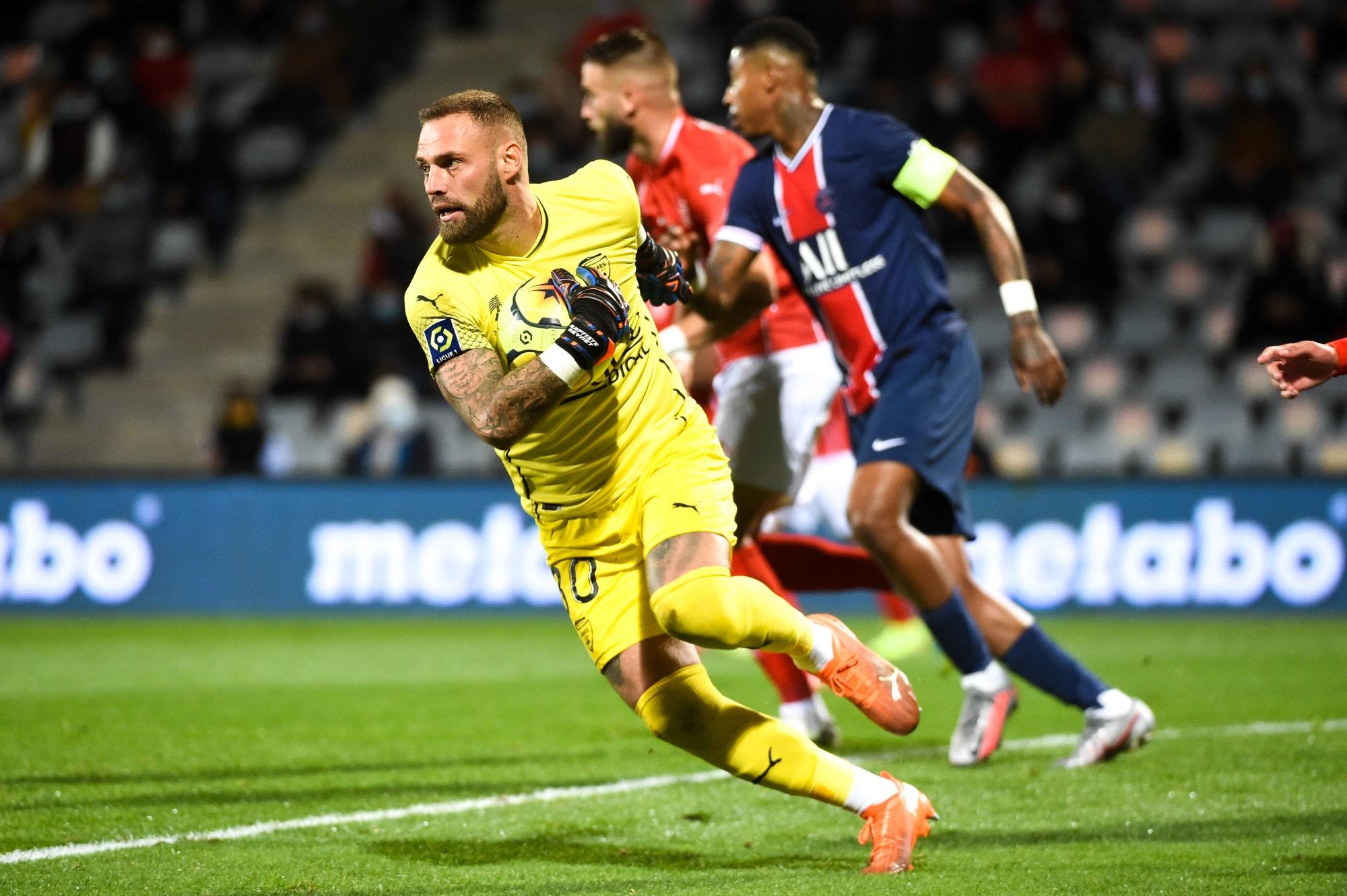 """Nîmes/PSG - Reynet fait l'éloge de Mbappé et regrette """"on se tire une balle dans le pied"""""""