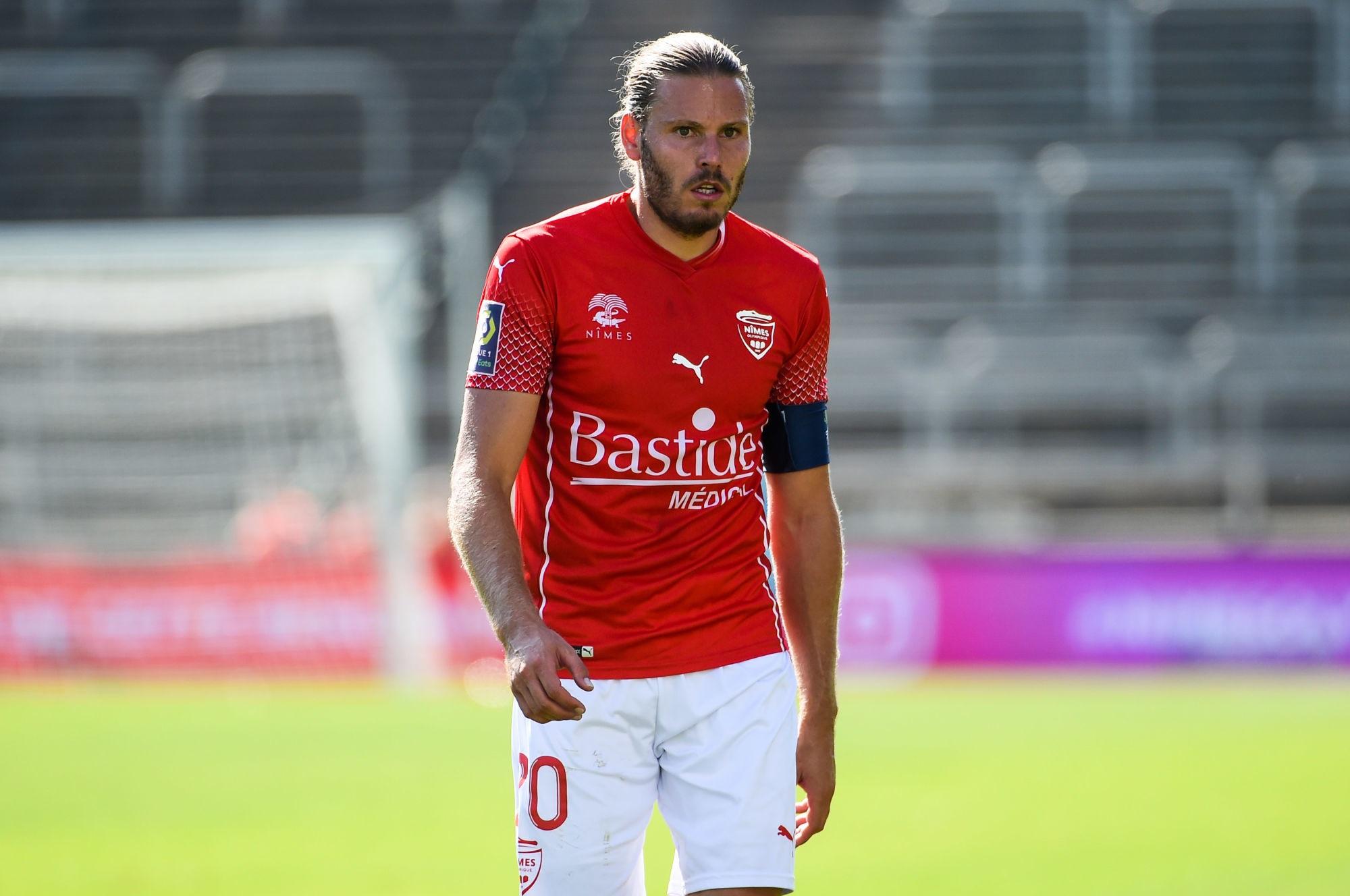 """Nîmes/PSG - Ripart regrette le carton rouge et """"on a craqué à la fin."""""""