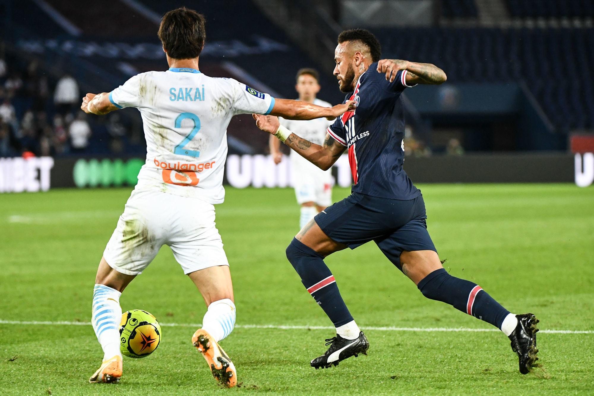 Sakai dément avoir été victime de propos racistes de la part de Neymar