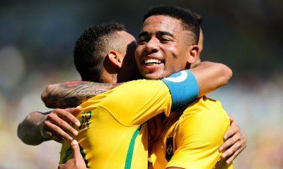 """Gabriel Jesus fait l'éloge de Neymar """"c'est plus facile avec lui"""""""