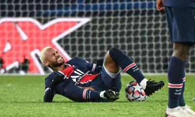 Sagnol fustige Neymar «Il est toujours par terre, dans la provocation»