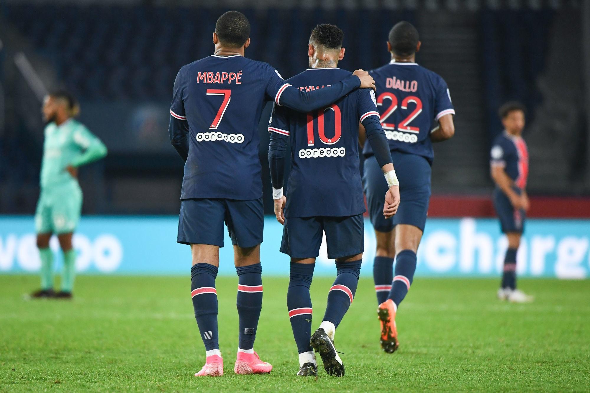 L'Equipe fait le point sur les prolongations de Mbappé et Neymar au PSG