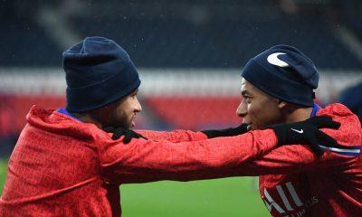 Ménès ne voit pas Mbappé et Neymar quitter le PSG prochainement
