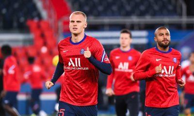 Mercato - Bakker au Bayer Leverkusen, L'Equipe confirme et évoque une option de rachat