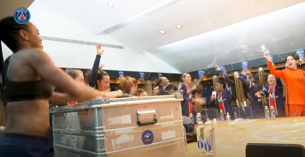 Revivez la victoire du PSG contre l'OL au plus près des joueuses parisiennes