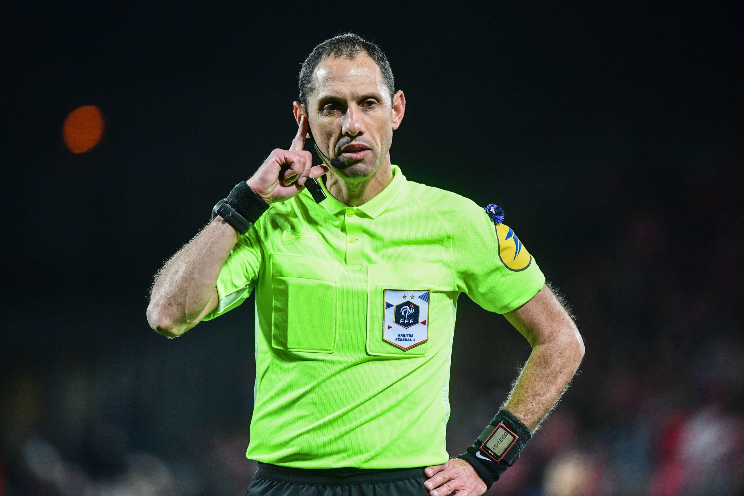 Montpellier/PSG - Lesage arbitre de la rencontre, attention aux cartons !