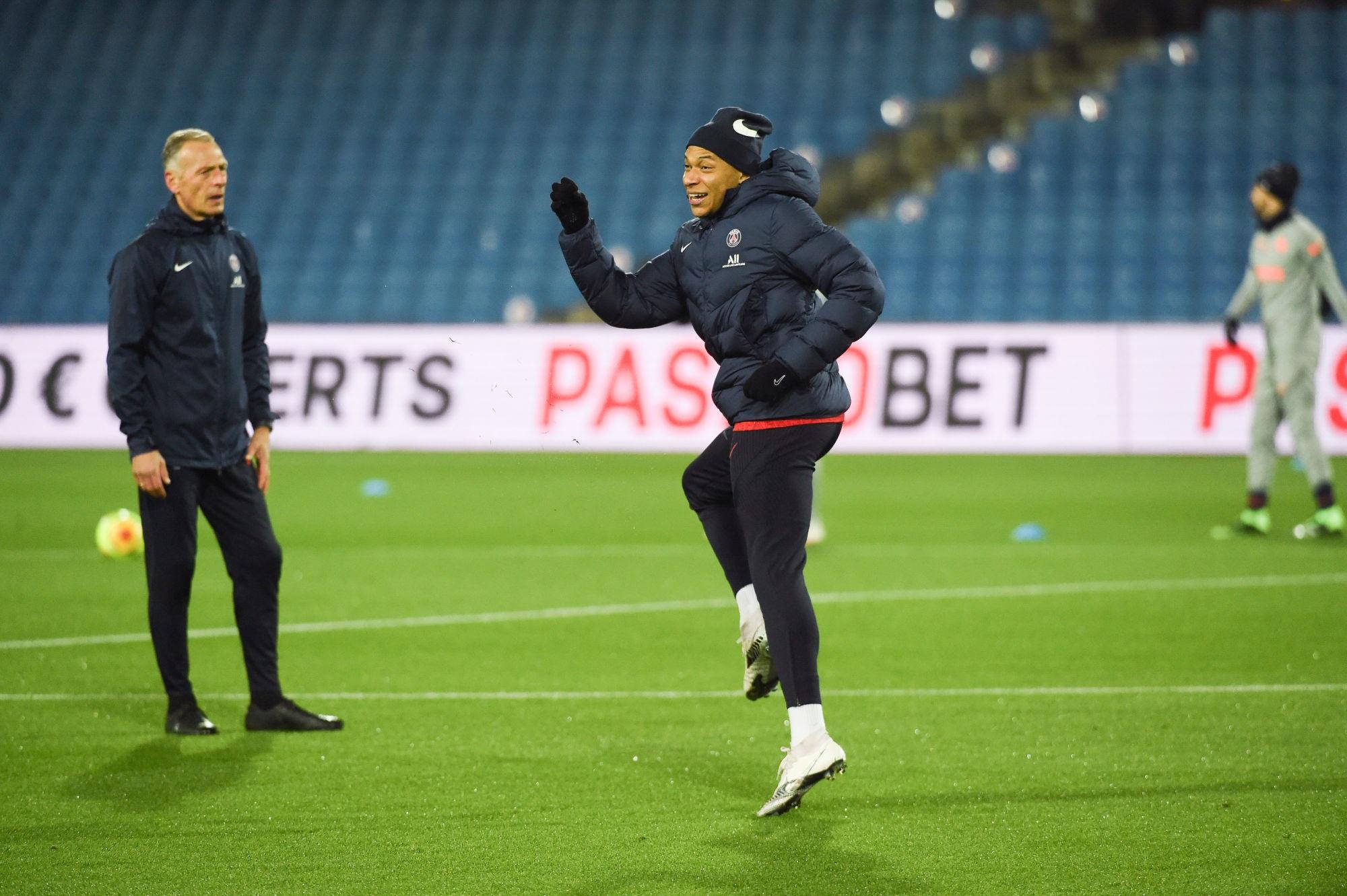 Mbappé évoque son état de forme et remercie le PSG
