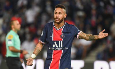 Neymar et son père s'étonnent de son absence des trophées FIFA 2020