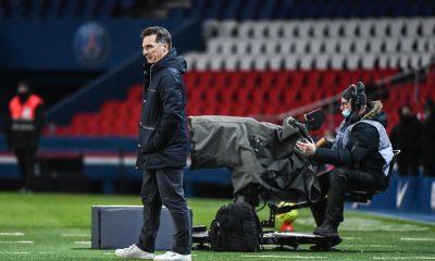 """PSG/Lorient - Pélissier évoque """"beaucoup de frustration"""" et les """"décisions limites"""" de l'arbitre"""