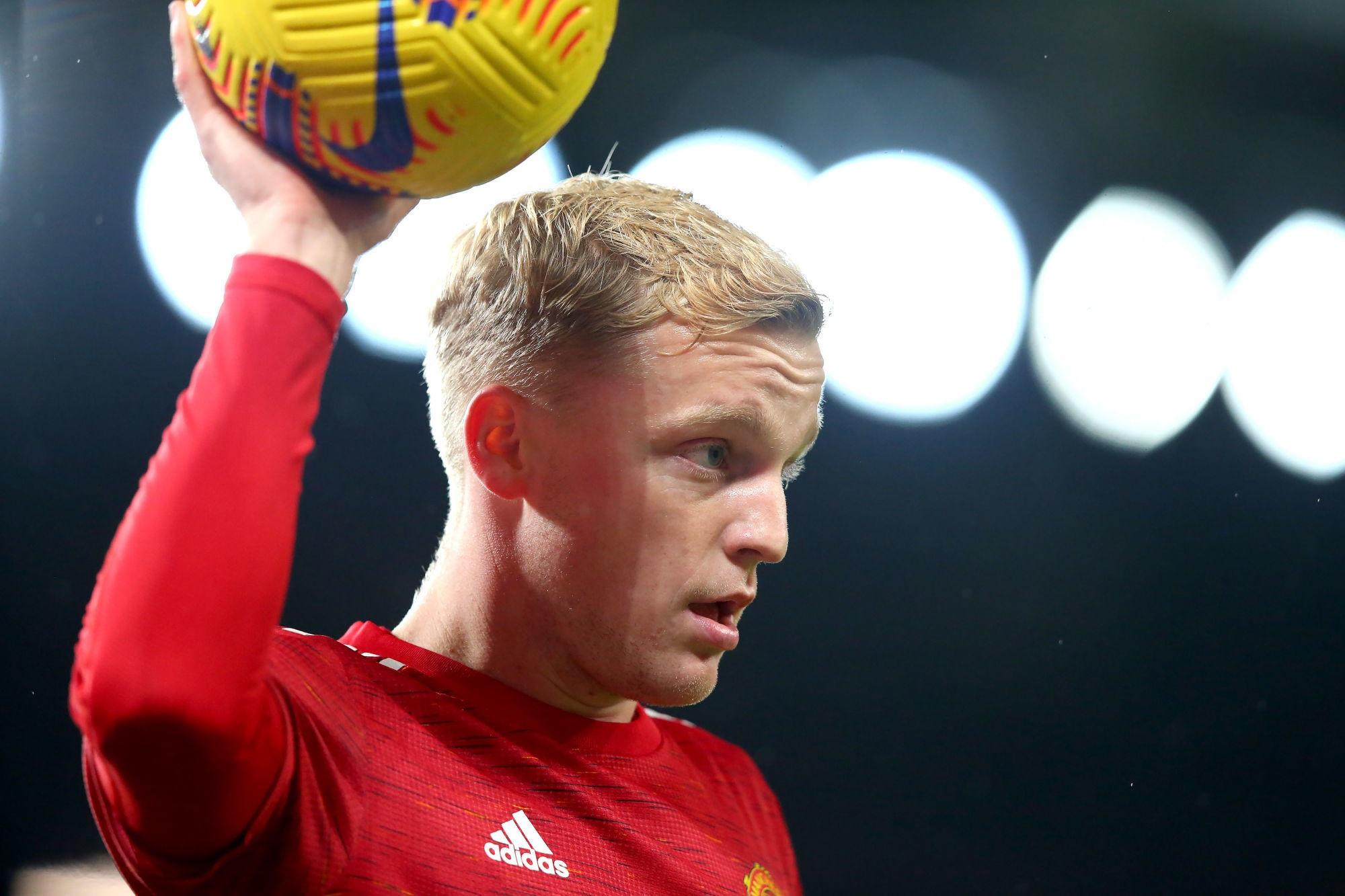 Manchester United/PSG - Van de Beek évoque surtout Cavani
