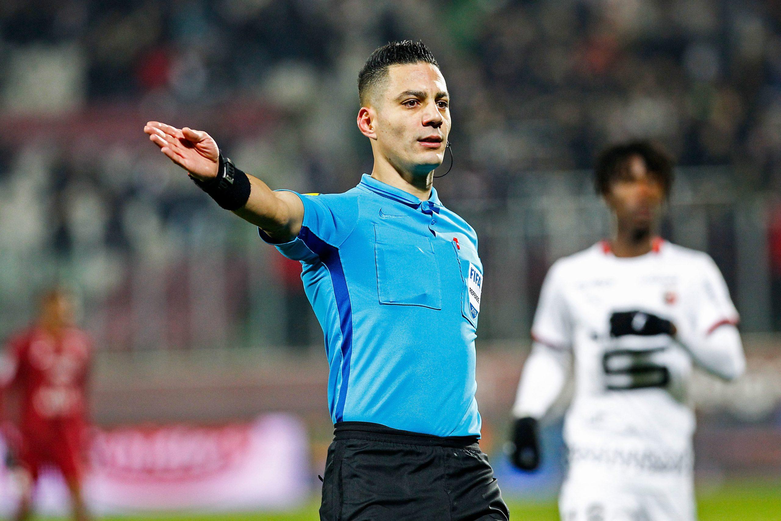 Saint-Etienne/PSG - Abed désigné arbitre, peu de jaunes mais beaucoup de rouges