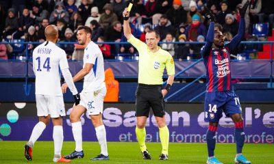 PSG/OM - Buquet arbitre du Trophée des Champions, beaucoup de jaunes mais peu de rouges
